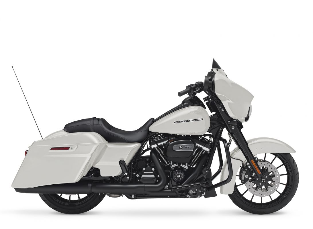 street glide special white